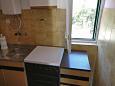 kuchyně 4 m2, vybavení: lednička, sporák, trouba, mrazák