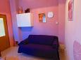 obývací pokoj 7 m2, počet lůžek 1 (pohovka)