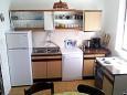 kuchyně 5 m2, vybavení: lednička, sporák, mrazák, myčka