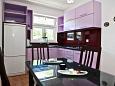 kuchyně 4 m2, vybavení: lednička, sporák, trouba