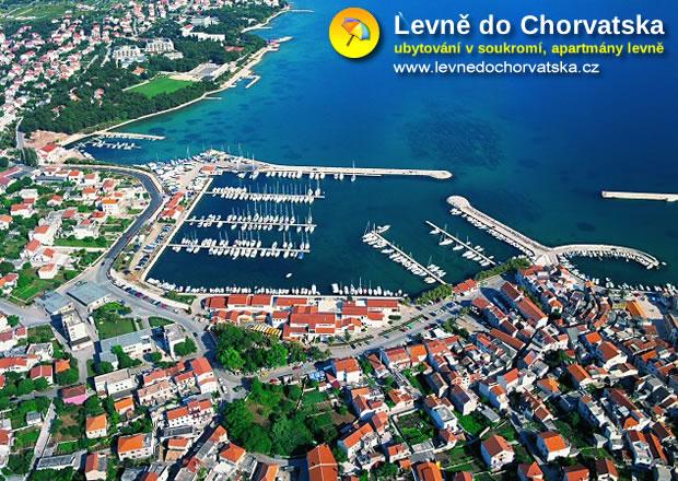 Vodice - Chorvatsko (pohled na město)